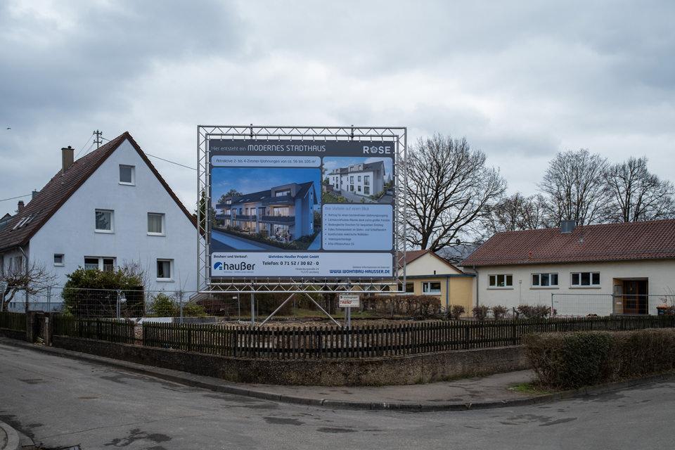 Wohnbau-Hausser_Baufortschritt_Renningen_Rosenstr_Bauschild_01